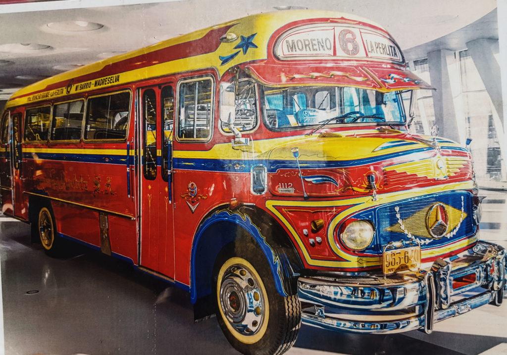 Вот так жизнерадостно выглядели старые автобусы.
