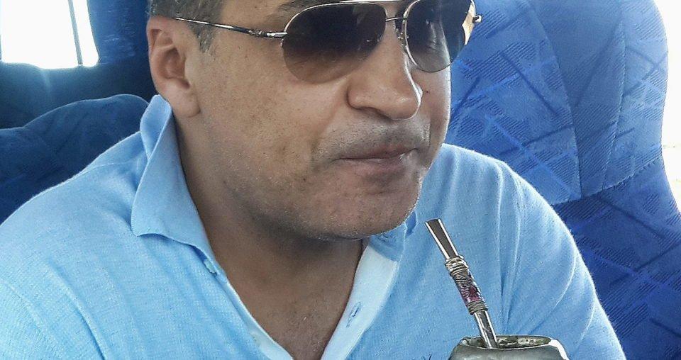 Зияд Манасир дегустирует традиционный чай мате